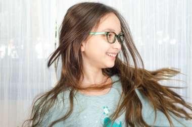 משקפיים אופטיים לנוער